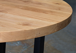 Round dinning table made from supreme alder wood