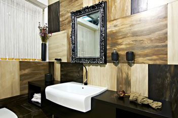Black decorative framed mirror for bathroom