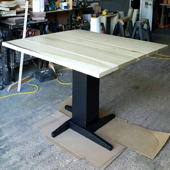 Cleveland   Poplar Table Top In Clear Finish With Black Pedestal Base