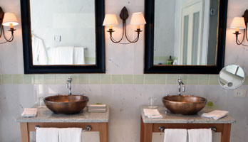 Black gold bathroom mirror set
